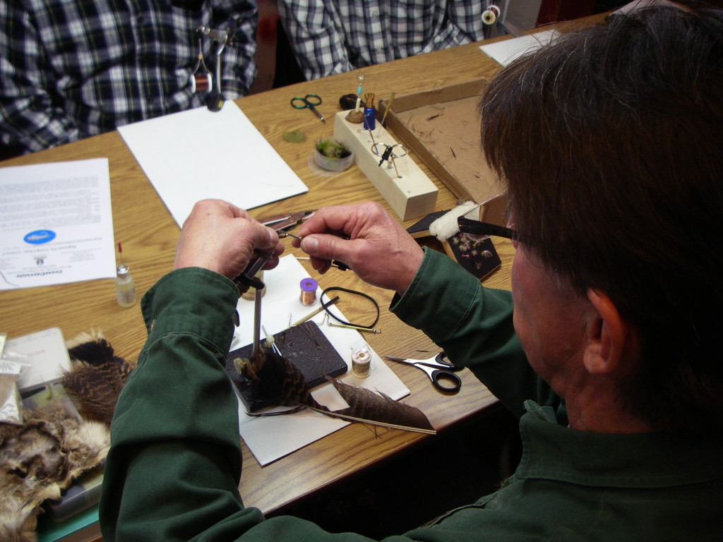 CrossCurrents Fly Tying Class